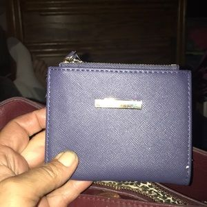H & M wallet